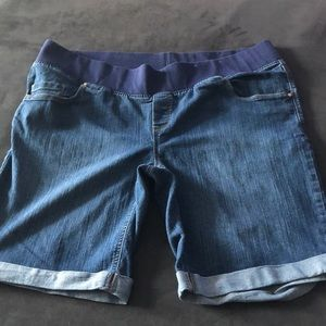 GREAT EXPECTATIONS MATERNITY JEANS SHORTS
